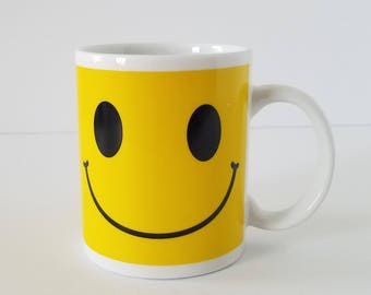 Retro Vintage Smiley Face Mug