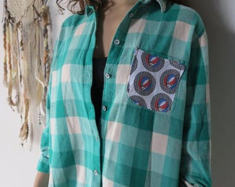Grateful Dead Steal Your Face Detail Flannel Plaid Button Up Shirt Size Medium/Large