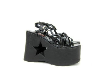 Vintage Hot Topic Sandals Goth Shiny black patent platform sandals with STAR cut outs Grunge Punk Shoes Women's Size
