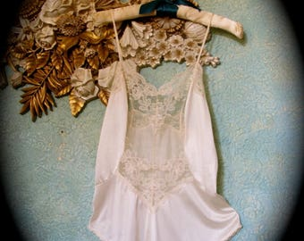 80s Ivory Lace Teddy, Vintage Ivory Snap Crotch Teddy,  Disco Teddy, Sheer Ivory Lace Teddy, Wedding Teddy, Jumpsuit Teddy, Bouidor Teddy