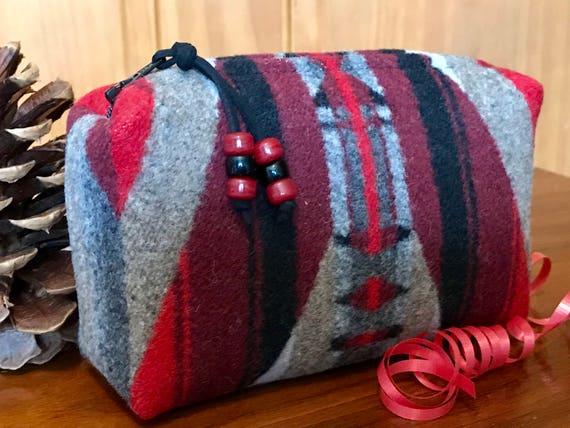 Cosmetic Bag / Makeup Bag / Zippered Pouch Medium Wool Scarlett LaPaz