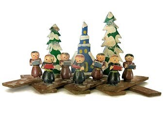 Expanding Foldout Singing Monks Christmas Decoration Vintage 1950 Japan