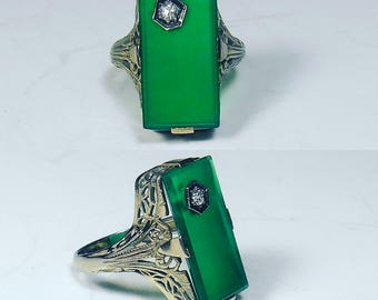 Chrysoprase and Diamond Antique Ring in 18K White Gold, Antique Ring Green Stone and Diamond with Gold Filigree Size 5 Chrysophase Rare Ring