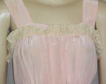 ON SALE Vintage Noisy Peignoir Set Nightgown Robe Nightie Small Medium