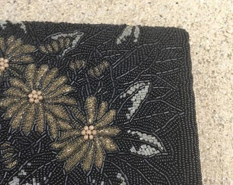 40% SUMMER SALE The Black Formal Beaded Flower Clutch Purse