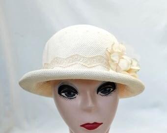 Cream Straw Cloche Hat With Flower Trim / Downton Abbey Vintage Inspired Cloche Hat / Cream Cloche Hat / Rolled Brim Cloche Hat