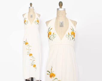 Vintage 70s Halter DRESS / 1970s Boho Ivory Cotton Embroidered Floral Backless Maxi Dress xs