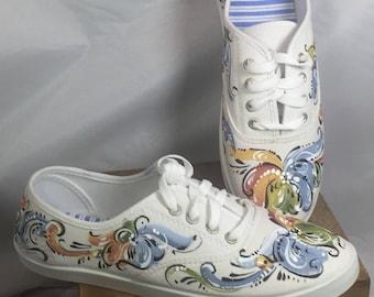Norwegian rosemaled handpainted sneakers size 9
