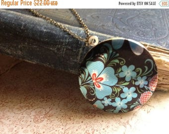 30% OFF Colourful Locket Necklace - Russian Floral Pattern - Colorful Elegant Unusual Necklace - Vintage European Fabric Pattern Necklace