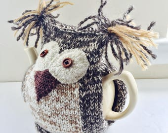 Owl Tea Cosy - Barnado - in organic pure wool and Alpaca mix -  by Tafferty Designs - Size Medium fits 6-cup teapots
