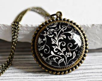Oriental Wallpaper Bronze Necklace