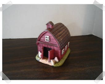 Old-Fashioned Red Barn/ Resin /Single /Minis/Supplies*