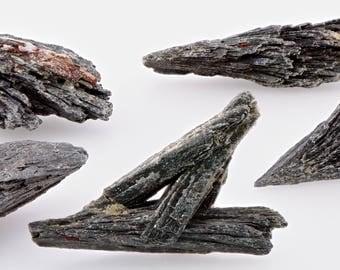 Black Kyanite Gemstone - Gemstone for Honest Expression