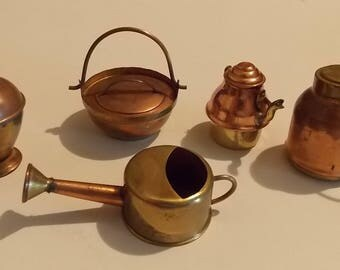 5 Vintage Mini Pots, Brass & Copper, Mini Brass Decor, Rustic Farmhouse, Housewares, Brass Display. Mini Copper Display, Doll House Decor