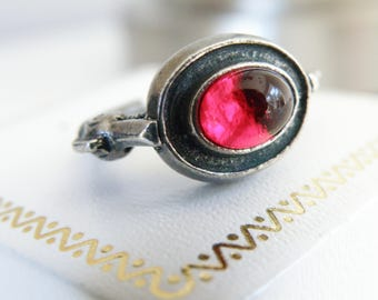 Vintage Sterling Silver 925 Garnet Handmade Swordfish Fish Dolphin Unique Cast Midi Pinky Pinkie Ring Size 5