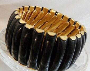 SALE Vintage Black Expansion Bracelet.  1950s. Black Lucite. Gold Tone.  Wide. Hong Kong.