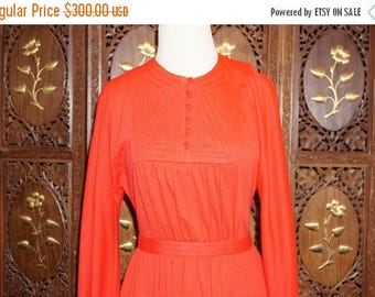 ON SALE 1970s Donald Brooks Red Knit Dress Sz 8