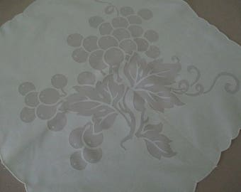 12 Vintage Napkins Mint Green Grape Pattern