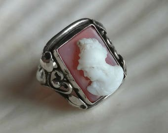 Carved agate and 9k white gold cameo ring Athena - antique jewelry