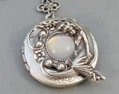 Moonbeam,Vintage Moonstone,Moonstone Necklace,Moonstone Locket,Moon,Vintage Locket,Vintage Stone,Vintage Jewelry, Valleygirldesigns.