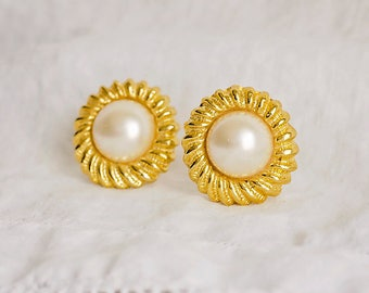 Pearl Gold Tone Shoe Clips