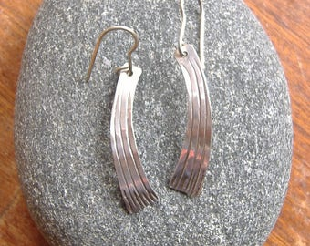 Curved straight line earrings