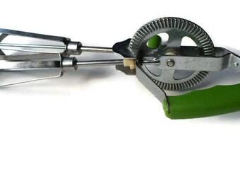 Vintage Hand Mixer, Green Mixer, Green Kitchen, Hand Mixer, Kitchen Utensil, PioneerFundraiser