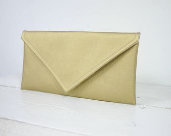 Simple envelope gold clutch | simple gold bridesmaid purse | envelope gold purse