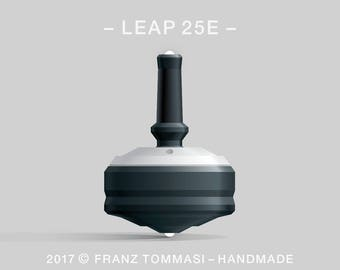 LEAP 25E White-on-Black Spin Top with rubber grip, dual ceramic tip, two-part body, and accent holes (3)