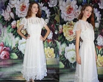 On SALE 35% Off - 70s Vintage Gunne Sax White Lace Boho Victorian Prairie Maxi Wedding Dress - 70s Clothing - WV0434