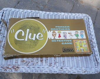 CLUE vintage 1963 COMPLETE Parker Brothers Detective Game It was Mrs. Peacock in the Library with the revolver
