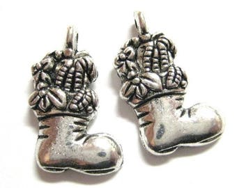 75% OFF - 20pcs Silver Christmas Stocking Charms - Wholesale Christmas Charms - DIY Christmas Bead Jewelry Supply Card Making E46