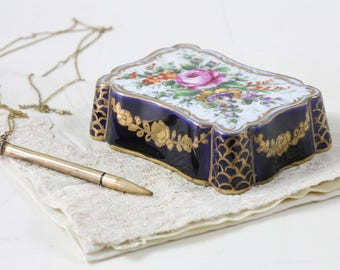 Victorian Floral Paper weight