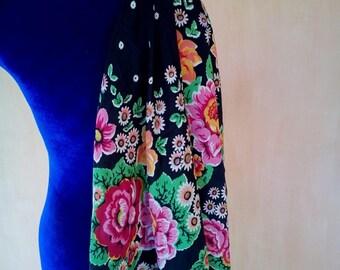 Vintage Russian floral crepe silk boho scarf. Babushka style. SC003