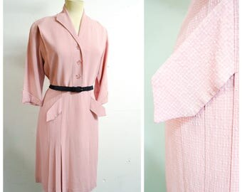 1940s Pale pink white check rayon pleated day dress / 40s dusty pink checked lucite button shirtwaister - L M