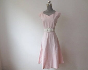 Vintage '50s Cotton Candy Pink Sweetheart Neckline Rockabilly / Swing Dress, Large, 40 Inch Bust