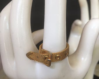 Vintage gold tone mesh buckle  ring .