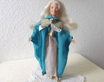 Vintage Jem Doll  wearing the MIDNIGHT MAGIC Glitter'n Gold Fashion, 1987.