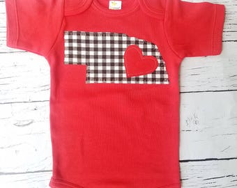 Nebraska state outline, baby gift, Nebraska baby, girl boy, nebraska bodysuit