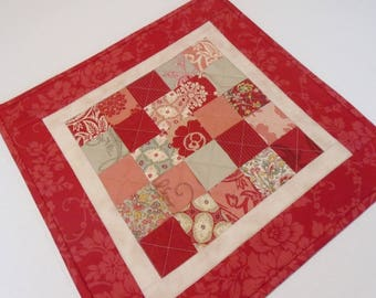 Floral Quilted Table Topper, Patchwork Table Quilt in Red and Beige, French Reproduction Quilted Table Runner, Patchwork Quilted Candle Mat
