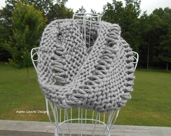 Loop Cowl in gray. Drop stitch infinity scarf. Hand knit.