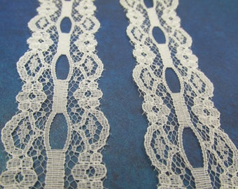 1 yard Off White  2 1/4 inches wide Lace with ribbon insert in center and scalloped trim edge
