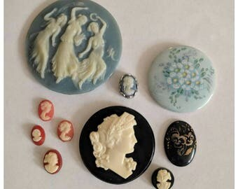 Lot of vintage plastic cameo shells and floral cabochon