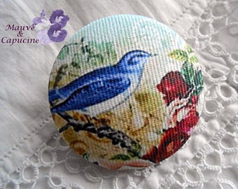 Fabric button, printed bird, 1.25 in / 32 mm diameter