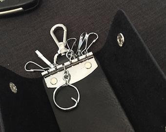 Leather key holder, keychain holder. Leather key case.