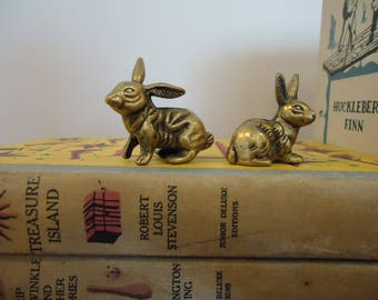 Vintage Pair Brass Miniature Rabbit  Figurines, brass miniatures, antiqued brass rabbits
