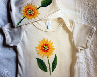 Sunflower bodysuit and hat set for baby shower gift or perfect unisex gift, matching baby clothing, super fun and cute baby