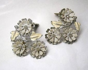 Vintage Flowers Earrings ART signed Daisy Enamel Rhinestone Mid Century Plastic Bride