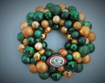 GREEN BAY PACKERS Ornament Wreath Team Football Wreath with Football Ornament