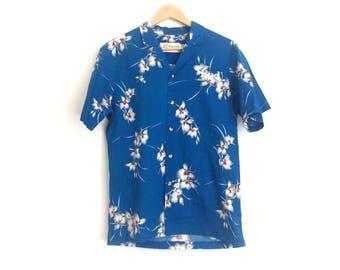 Vintage Malihini Hawaii Budweiser Hawaiian Shirt // Bud King of Beers Malihini Hawaii Shirt